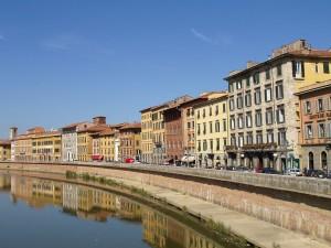 Lungarno a Pisa[GFDL oCC-BY-SA-3.0]