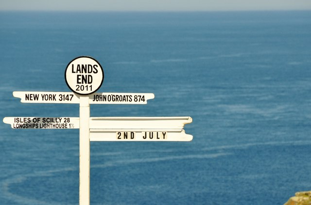 """Land's End: il cartello che segna la """"fine della terra"""""""