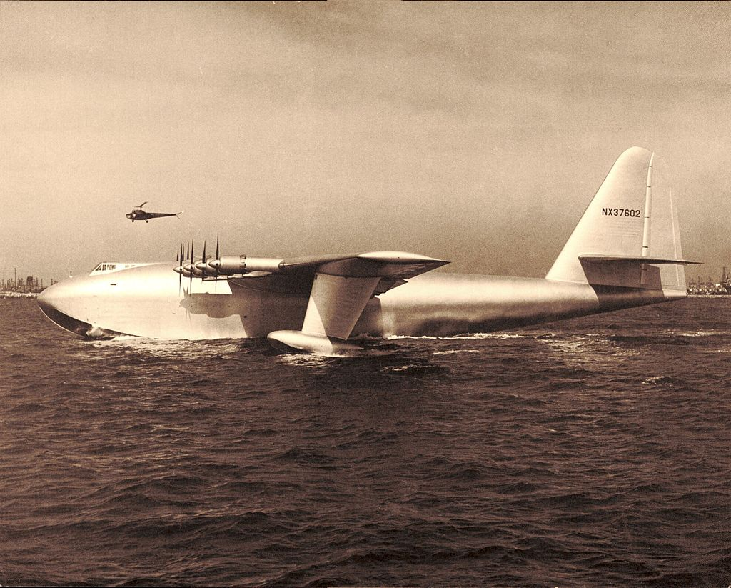 "H-4 Hercules ""Spruce Hoose"""
