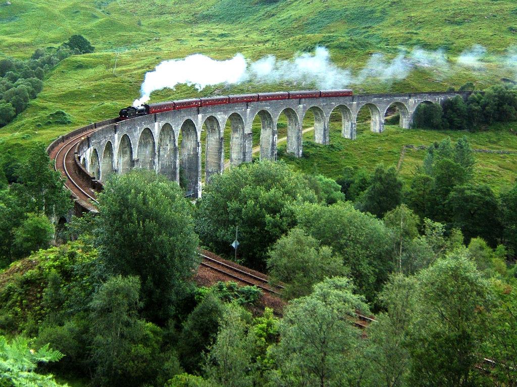 Glenfinnan_Viaduct