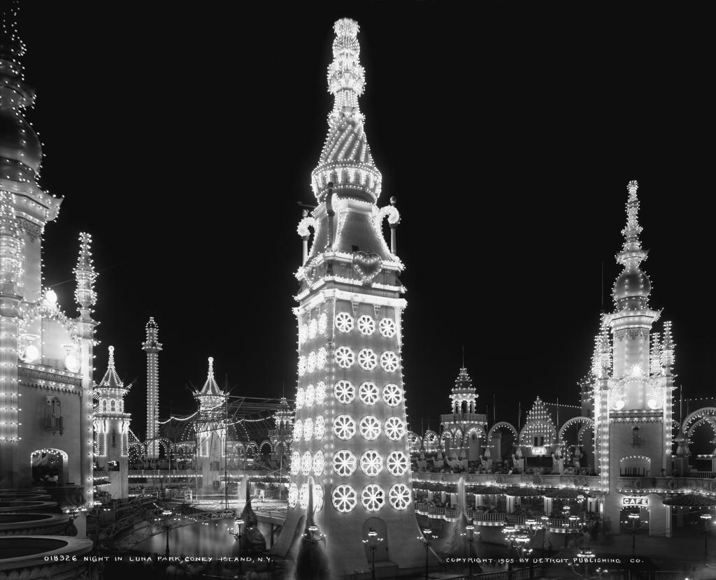 Il Luna Park di Coney Island, 1905.