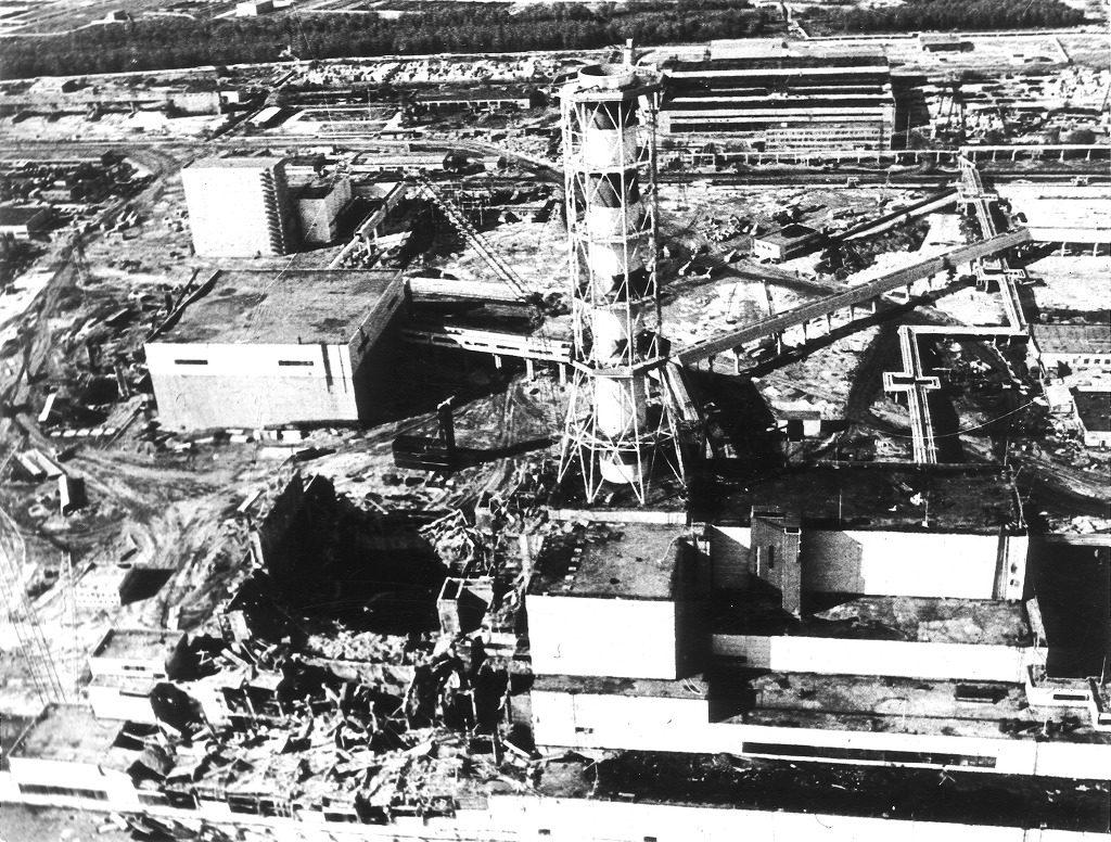 Centrale di Černobyl' (CNPP): il reattore 4 distrutto, 28 aprile 1986.