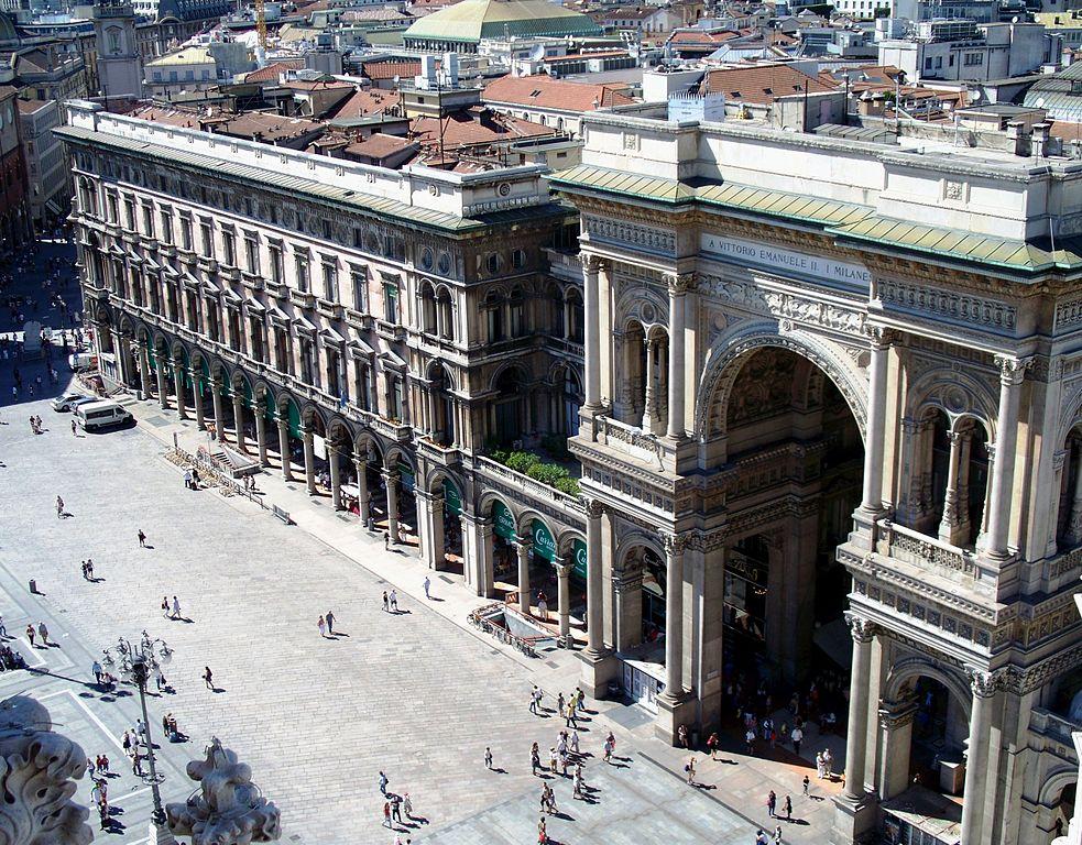 Galleria-Vittorio-Emanuele-II-ingresso-piazza