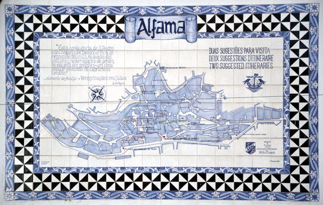 mappa dell'Alfama di Lisbona in azulejos