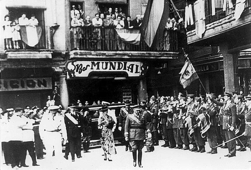 Francisco Franco in visita a Reus, Catalogna, nel 1940