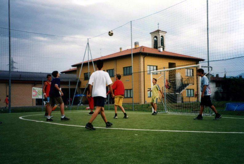Campetto di calcio dell'oratorio di Locate Bergamasco, frazione di Ponte San Pietro, in provincia di Bergamo