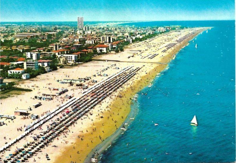 Rimini dall'aereo, cartolina del 1973