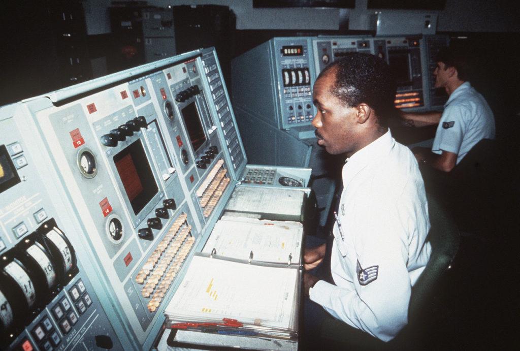 Sala operativa tattica del Ballistic Missile Early Warning System di Thule, 1984