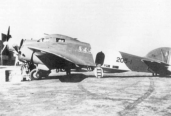 "Un SM.79 del XII stormo ""Sorci Verdi""."