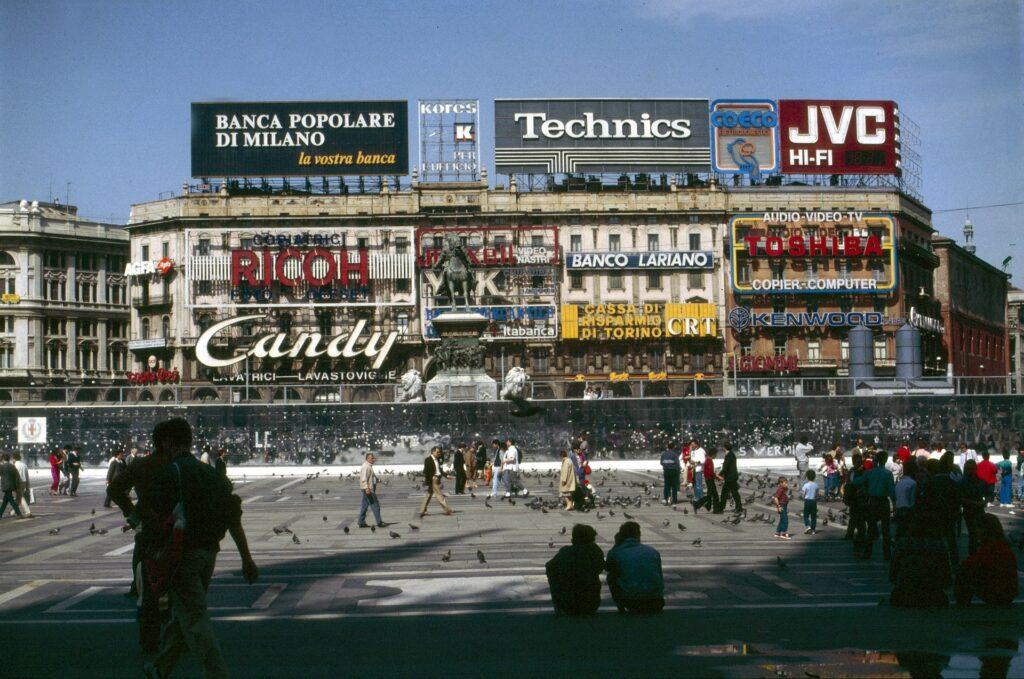 Milano, piazza Duomo nel 1985.